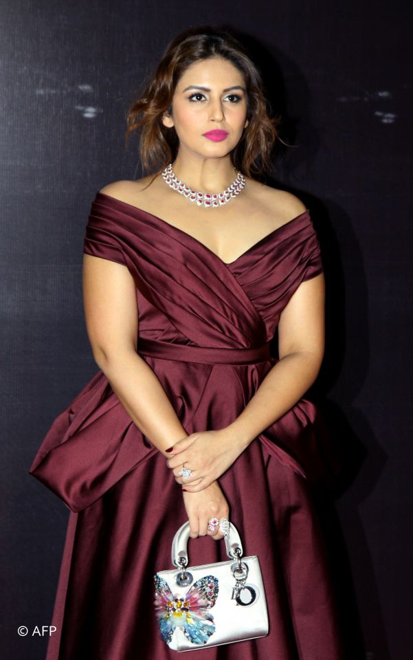 Huma Qureshi Proves Curvy
