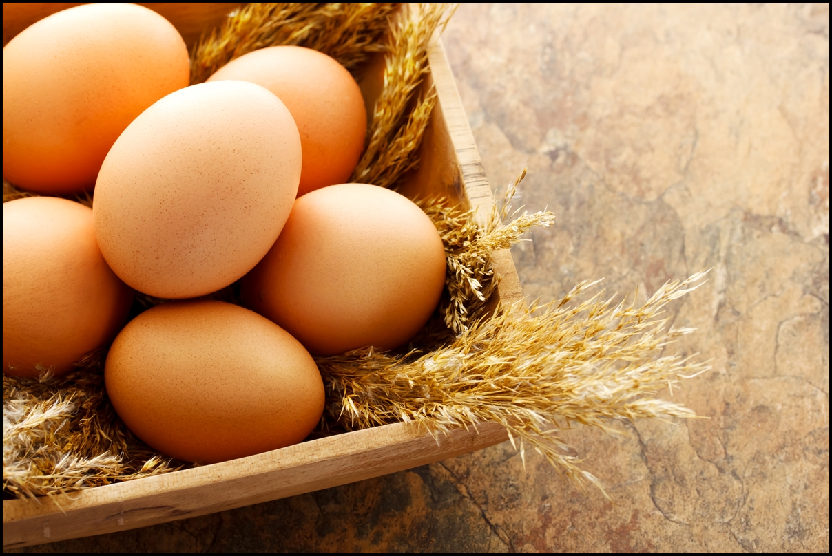 fresh-brown-eggs-in-wooden-square-bowl